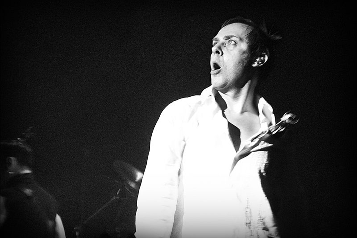 800px-Peter_Murphy_London_FebruaryOK